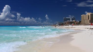 plaja cancun mexic
