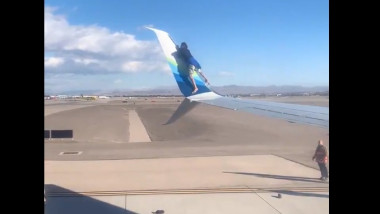 barbat aripa avion ccaptura twitter