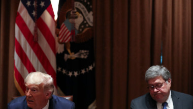 Donald Trump a pus problema demiterii procurorului general al SUA, William Barr