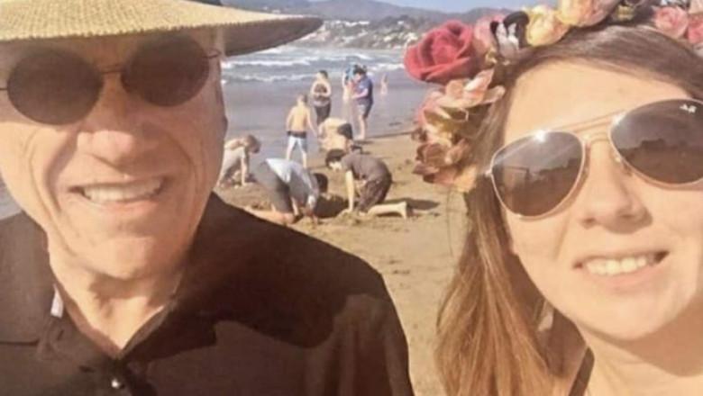 Sebastian Pinera a fost amendat cu 3.500 de dolari după ce a pozat pentru un selfie pe plajă cu o trecătoare fără a purta mască