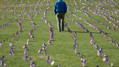 200.000 de steaguri SUA în memoria decedaților de Covid-19