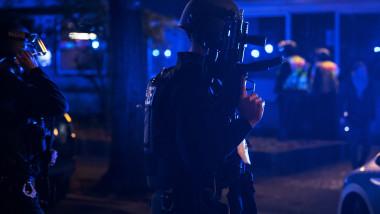 politist-trupe-speciale-impuscaturi-berlin-germania-26-decembrie-2020-profimedia-0578770273