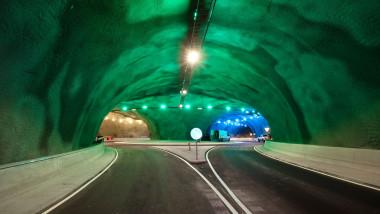 Sensul giratoriu și tunelurile construite pe fundul Oceanului Atlantic în Feroe FOTO: Profimedia Images