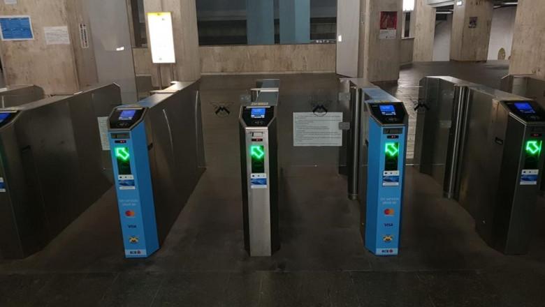 intrare metrou aparate acces