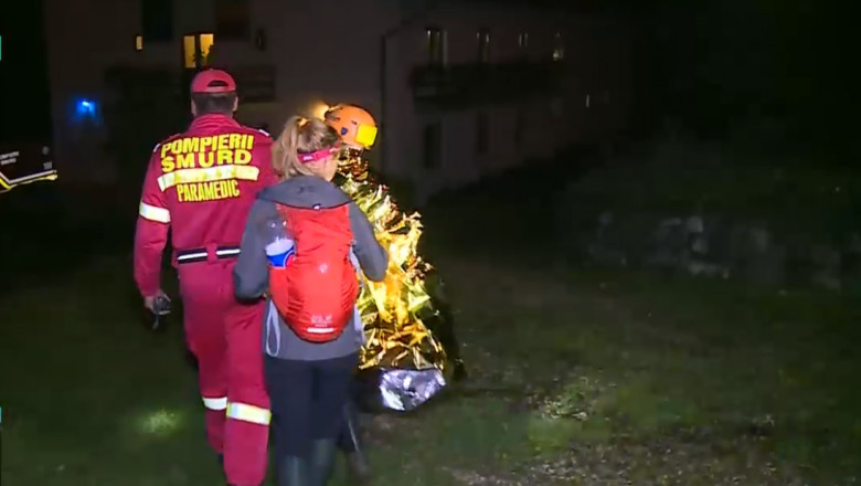 pompieri smurd salvamont blocati in pestera