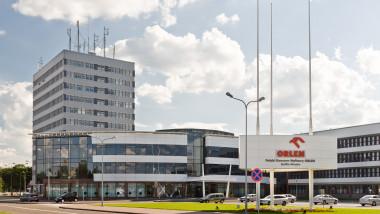 Płock,_Orlen,_budynek_biurowy