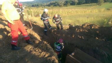 muncitor prins sub un mal de pamant sant Bihor 310816