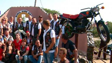 monument motociclisti SM