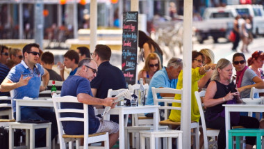 Images Of Beachside Retail Ahead Of Sales Figures