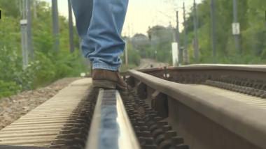 picioare barbat sina tren boala tristete