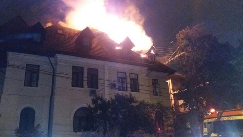 incendiu Bucuresti 141016 (1)
