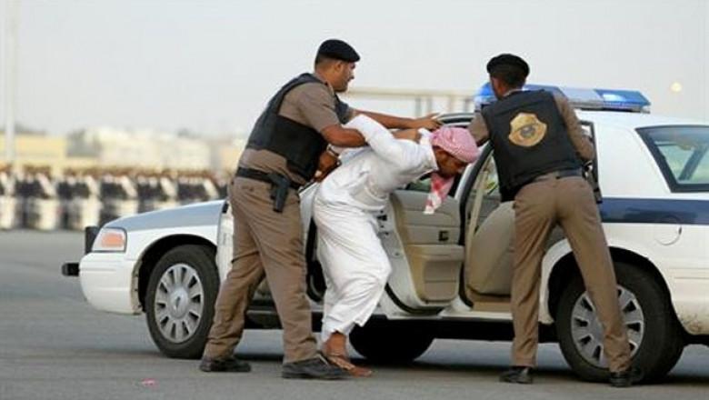 Saudi police raid cars, houses in Awamiya
