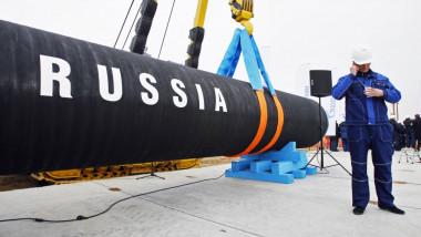 Conductele Turkish Stream, puse pe fundul Mării Negre începând din 2017