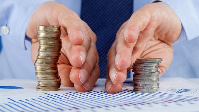 hands-dividing-coins_645x400