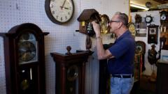 U.S. Prepares To Set Clocks Back As Daylights Saving Time Ends