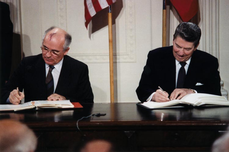 Reagan_and_Gorbachev_signing INF - wikipedia