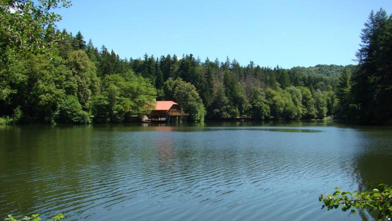 lacul buhui poza fb
