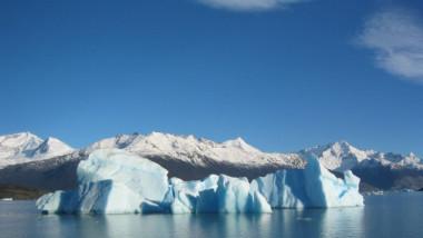 glacial-iceberg decopera.ro