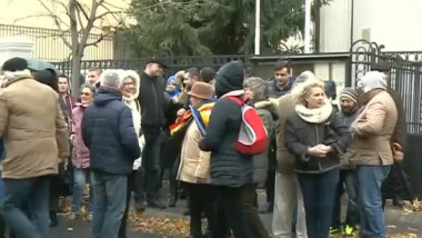 Alegeri R. Moldova | Nemulţumiri la secţiile de vot din România