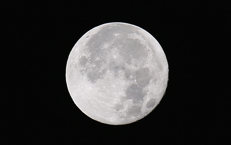 Eclipsa parţiala de Luna pe 16 iulie, in ziua in care se implinesc 50 de ani de la lansarea misiunii Apollo 11
