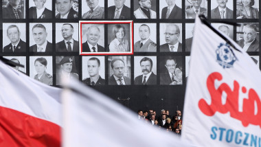 Memorial Service For Victims Of Polish Plane Crash