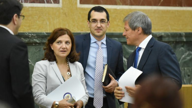 raluca pruna, vlad voiculescu si dacian ciolos_gov.ro