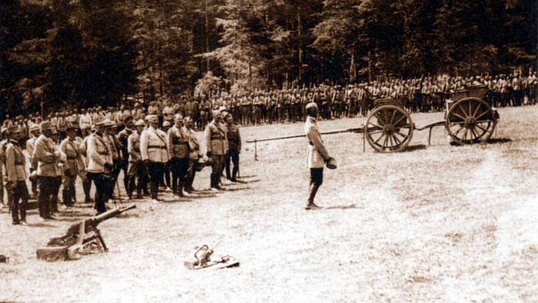 Soldaţi români angajaţi în Bătălia de la Mărășești din 1917