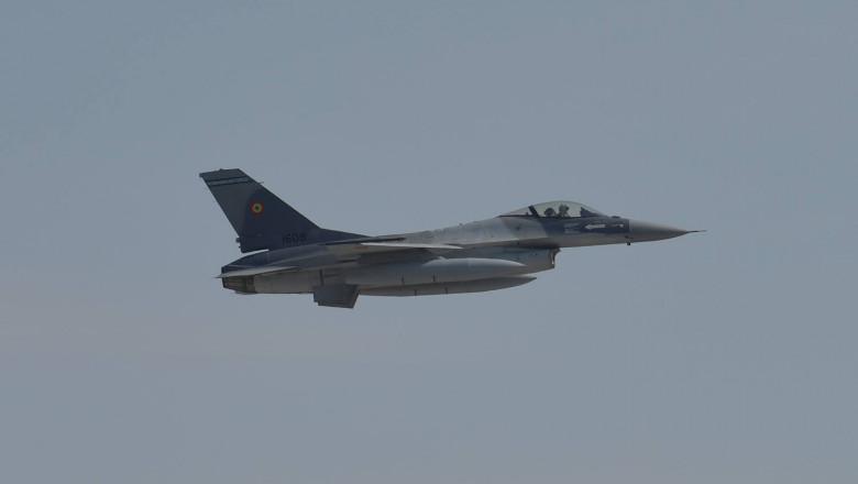 avioane F16 ambasada sua FB 3
