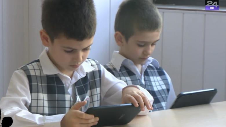 copii cu tablete