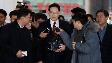 """Moştenitorul """"imperiului"""" Samsung, condamnat din nou la închisoare"""