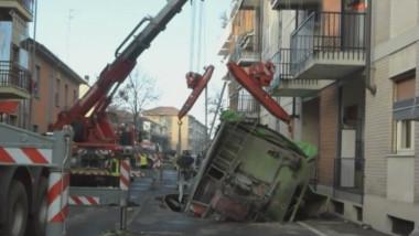 camion in asfalt italia