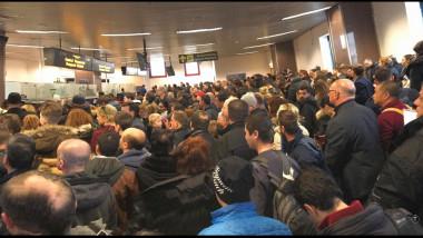aglomeratie pasapoarte Otopeni
