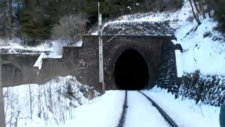 tunel tren timisul de sus