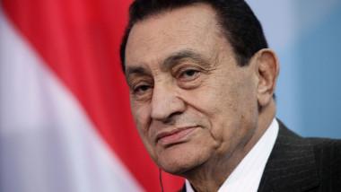 Merkel Meets With Egyptian President Mubarak