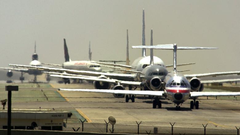 Avioane pe pista, aeroport_GettyImages-1323845
