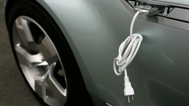 GM Showcases Electric Car On Capitol Hill