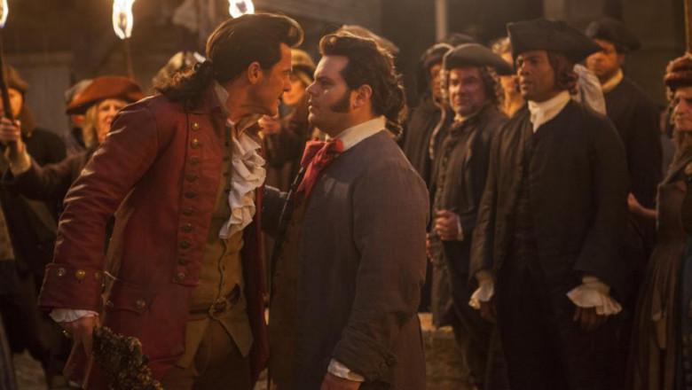 actori scena gay frumoasa si bestia