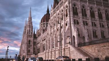 parlament budapesta - fb