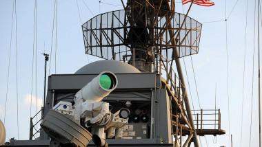 tun-cu-laser-pe-nava-de-razboi-uss-ponce