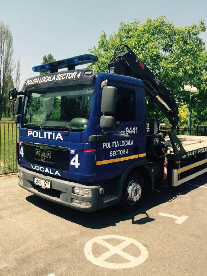 camion de ridicat masini politie locala S4