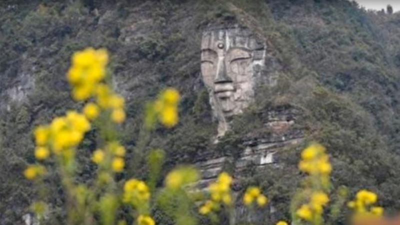 statuia-lui-buddha-din-provincia-guizhou