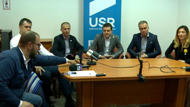 USR cabinet