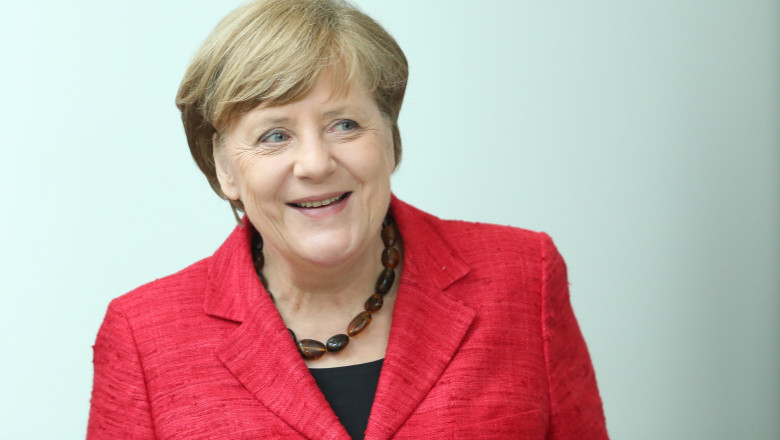 Merkel Commends Volunteers For Refugees And Migrants