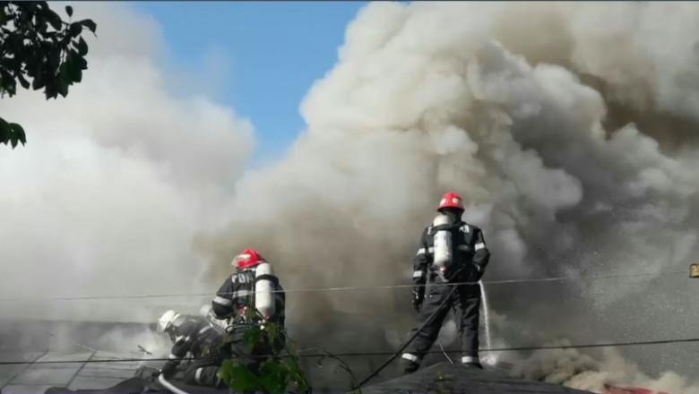 Incendiu De Vegetație în Chitila. Locuitorii Capitalei ...  |Incendiu Chitila
