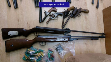 FOTO 3 ARME CONFISCATE