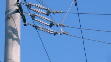 stalpi-energie-electrica