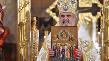 Hramul-Bisericii-Domnita-Balasa-din-Bucuresti-Patriarhul-Daniel-a-sfintit-catapeteasma-Inaltarea-Domnului-Ziua-Eroilor-9