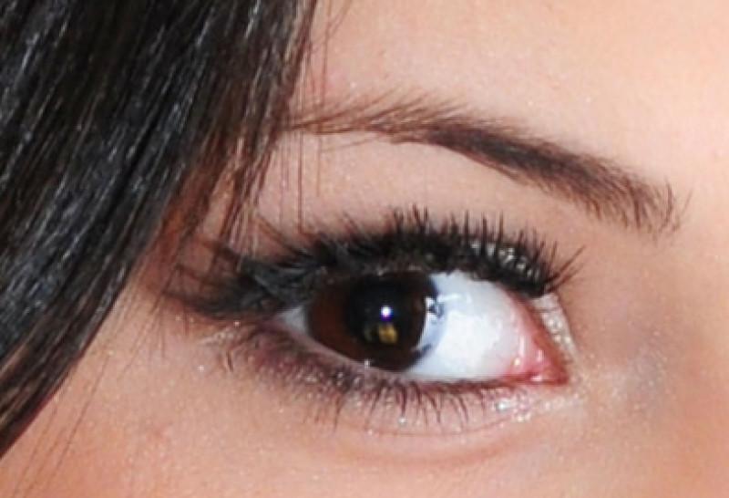 Cati oameni au ochii verzi