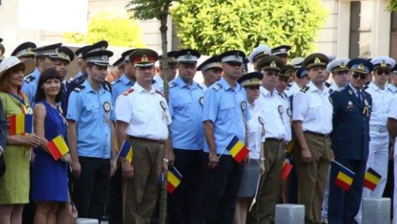 militari politisti