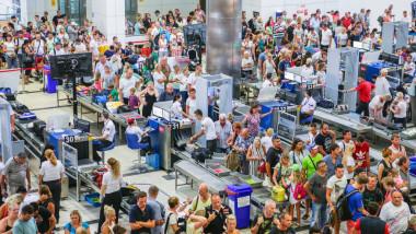 aglomeratie pe aeroport